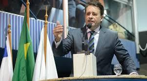 Prefeito Luciano Rezende se articula para voltar a ter maioria na Câmara de Vitória
