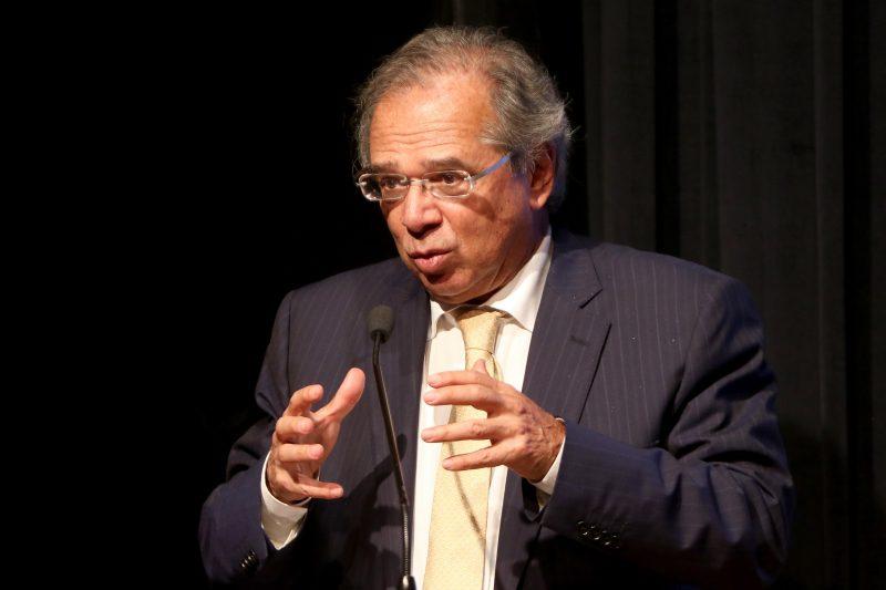 Ministro Paulo Guedes entrega proposta de reforma tributária ao Congresso