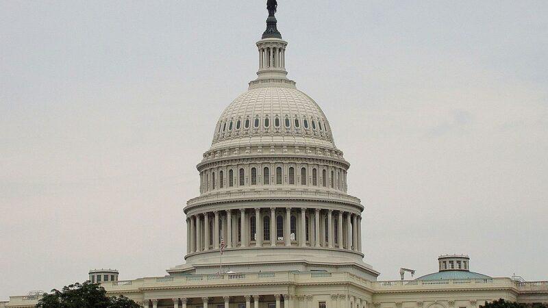 Congresso certifica vitória polêmica de Joe Biden para presidente dos EUA