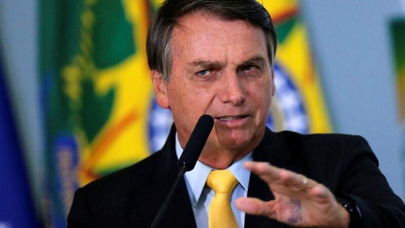 Bolsonaro critica restrição imposta pelo Facebook