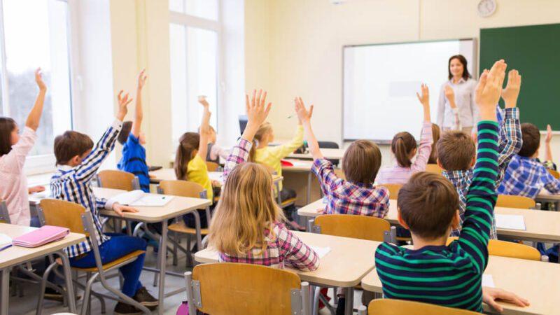 Inclusão de professores na área do grupo prioritário da vacinação é tema de debate na Ales