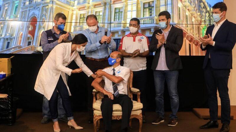 Governo do ES inicia vacinação contra Covid-19 dos trabalhadores do transporte coletivo rodoviário de passageiros