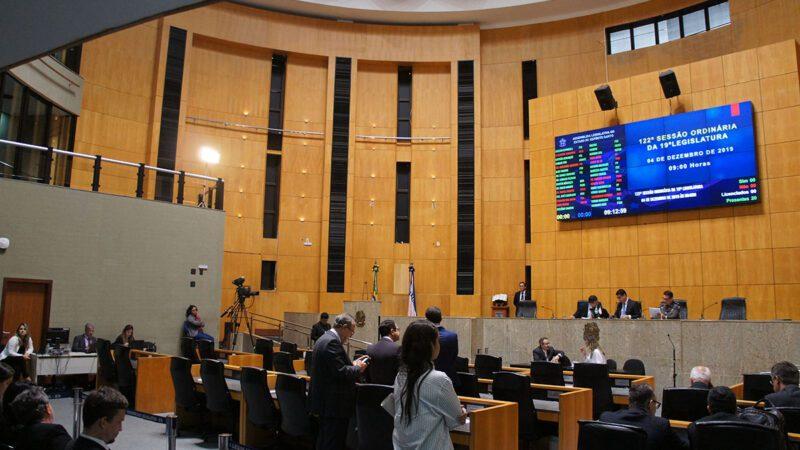 Mais três frentes parlamentares na Assembleia