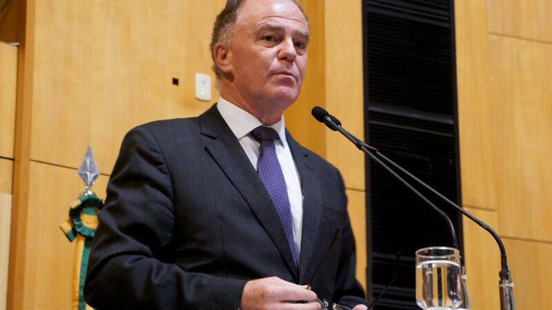 Governador do ES Renato Casagrande presta contas na Ales