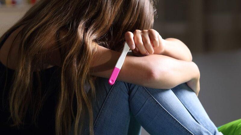 Projeto de Lei obriga notificação de grávida menor de 14