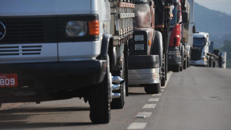 Governo Federal afirma futura negociação com Eco101 sobre a instalação de locais na rodovia para caminhoneiros