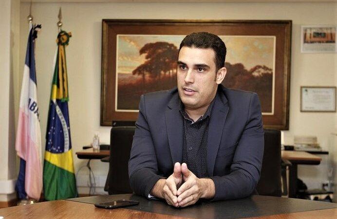 Petrobras anuncia um novo reajuste de preços da gasolina