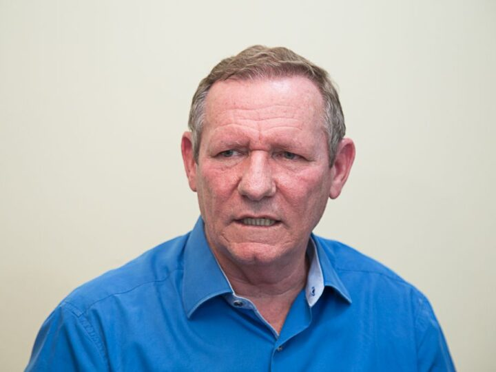 Ex-prefeito da Capital do ES testa positivo para o Covid-19 e é internado em hospital