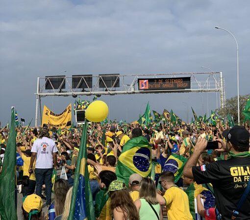Manifestação bolsonarista reuniu público de 100 mil pessoas, segundo a Sesp